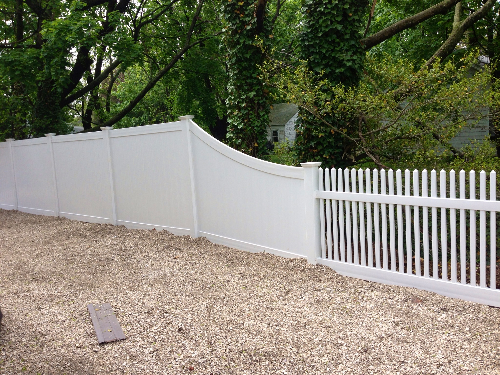 Vinyl fence installation contractor residential and